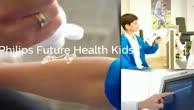 Future Health Kid Matteo im Gespräch mit HSV-Mannschaftsarzt Dr. Welsch