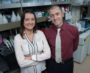 Studienleiterin Stephanie Stanford mit Forscherkollege Nunzio Bottini. Credit: Stephanie Stanford