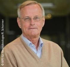 Prof.Hartmut_Wekerle_copy_MPIfuerNeurobiologie_R._Schorner_235x225_vc