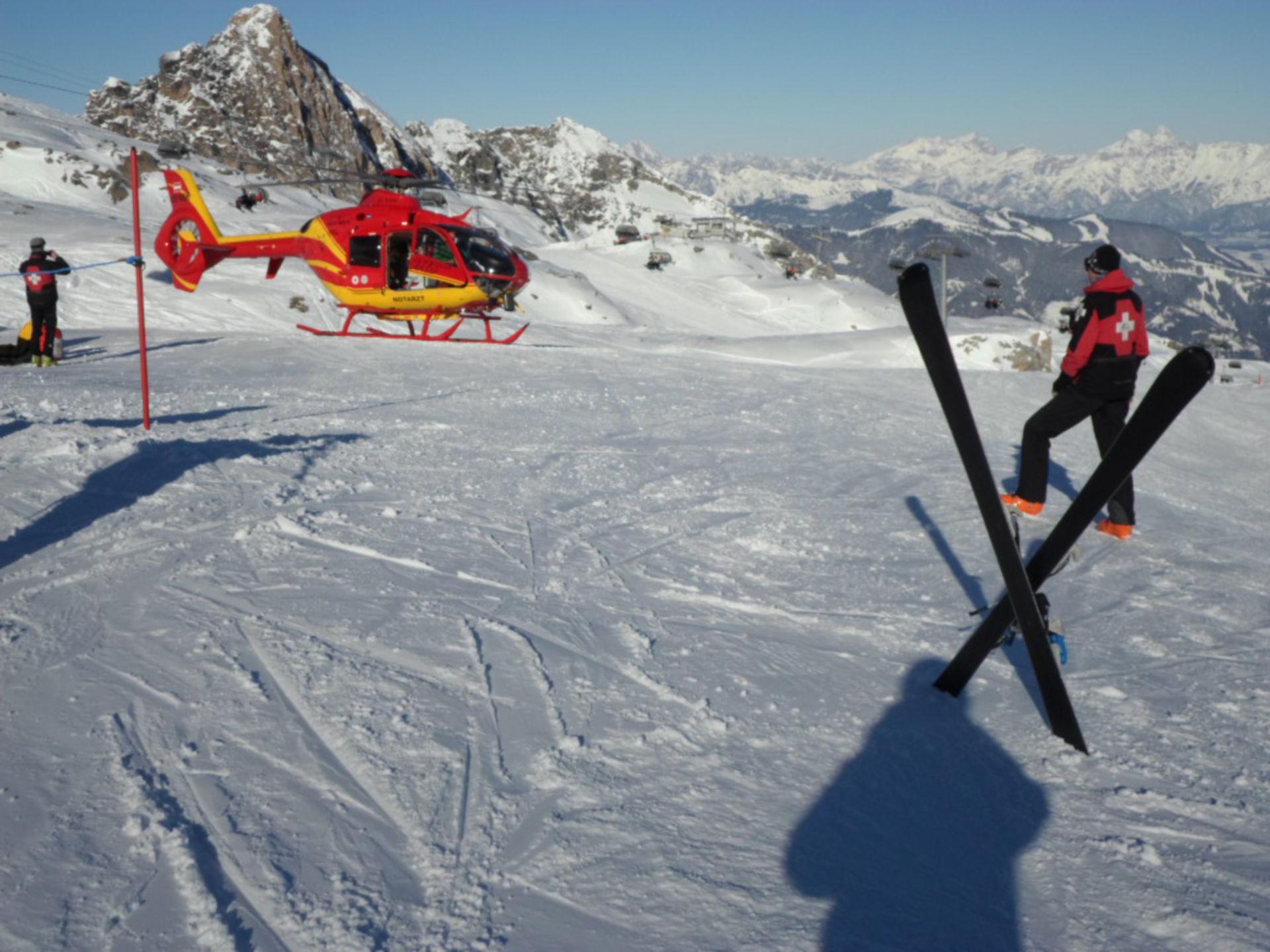 Pistensicherung alpine Luftrettung am Kitzsteinhorn/A SAM_1694