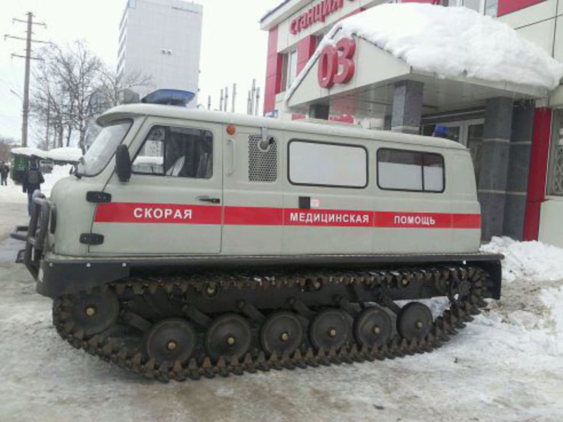 Emergency doctor's vehicle in the Russian winter