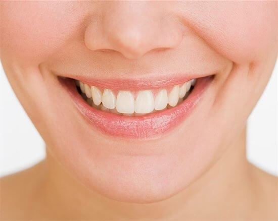 5_effective_ways_to_make_your_teeth_whiter__1__original.jpg