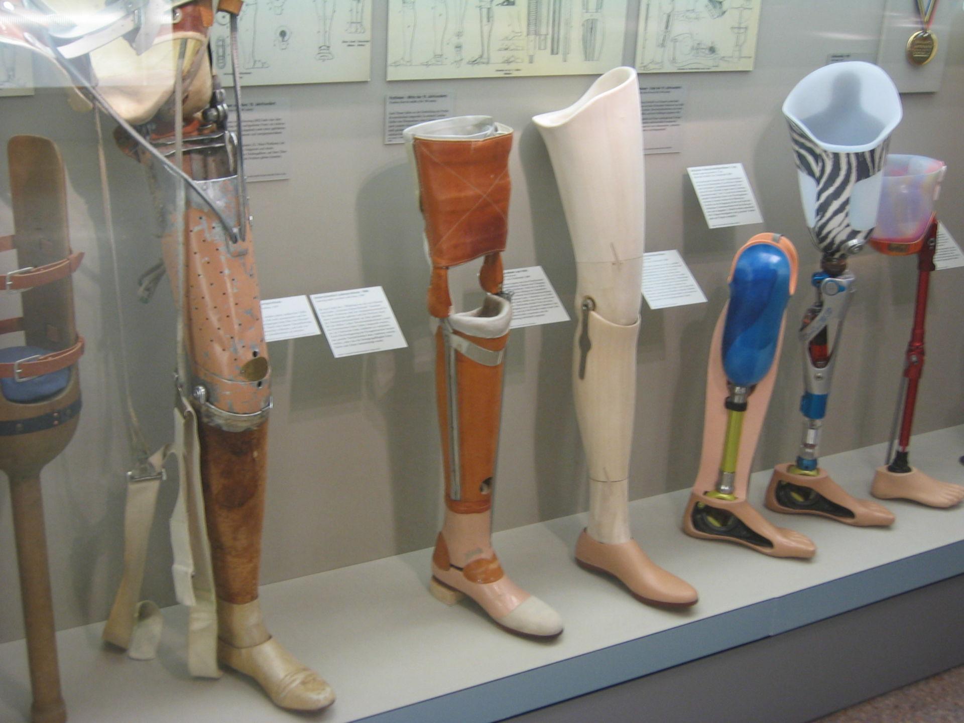 Historische Prothesen