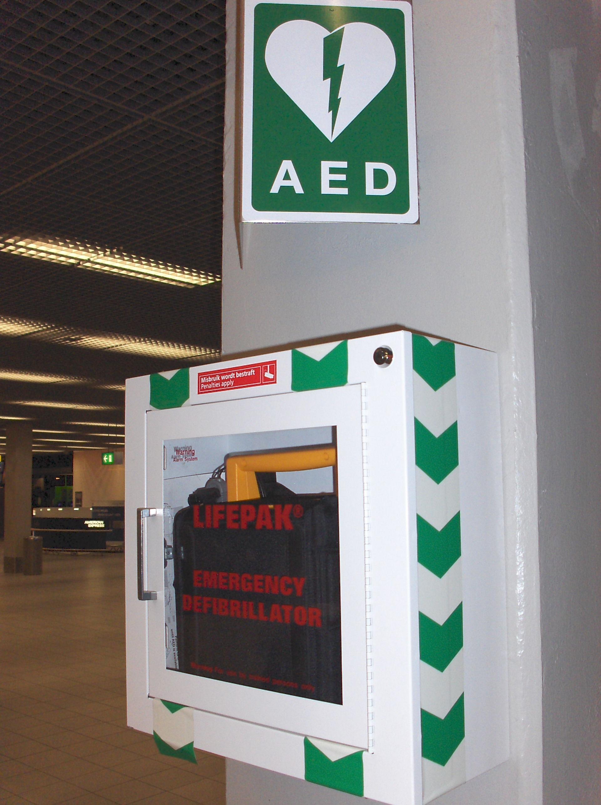 Defibrillator am Flughafen Amsterdam