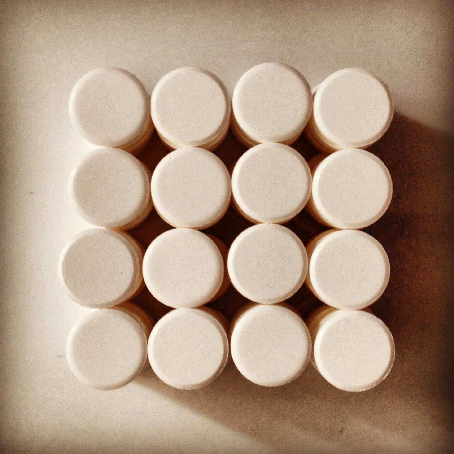 Tabletten quadratisch gestapelt Aufsicht