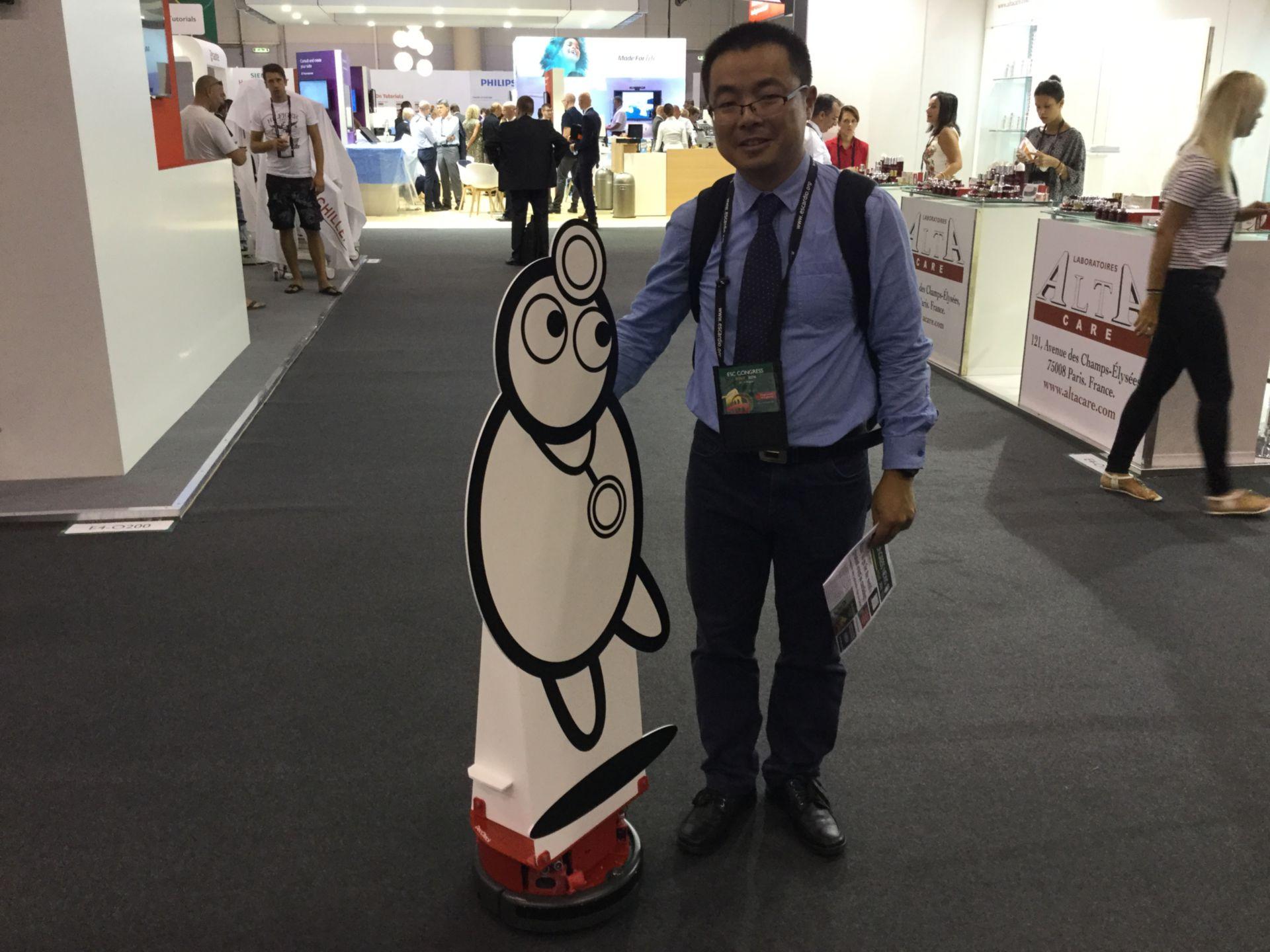 Doc findet neue Freunde auf dem ESC Kongress in Rom