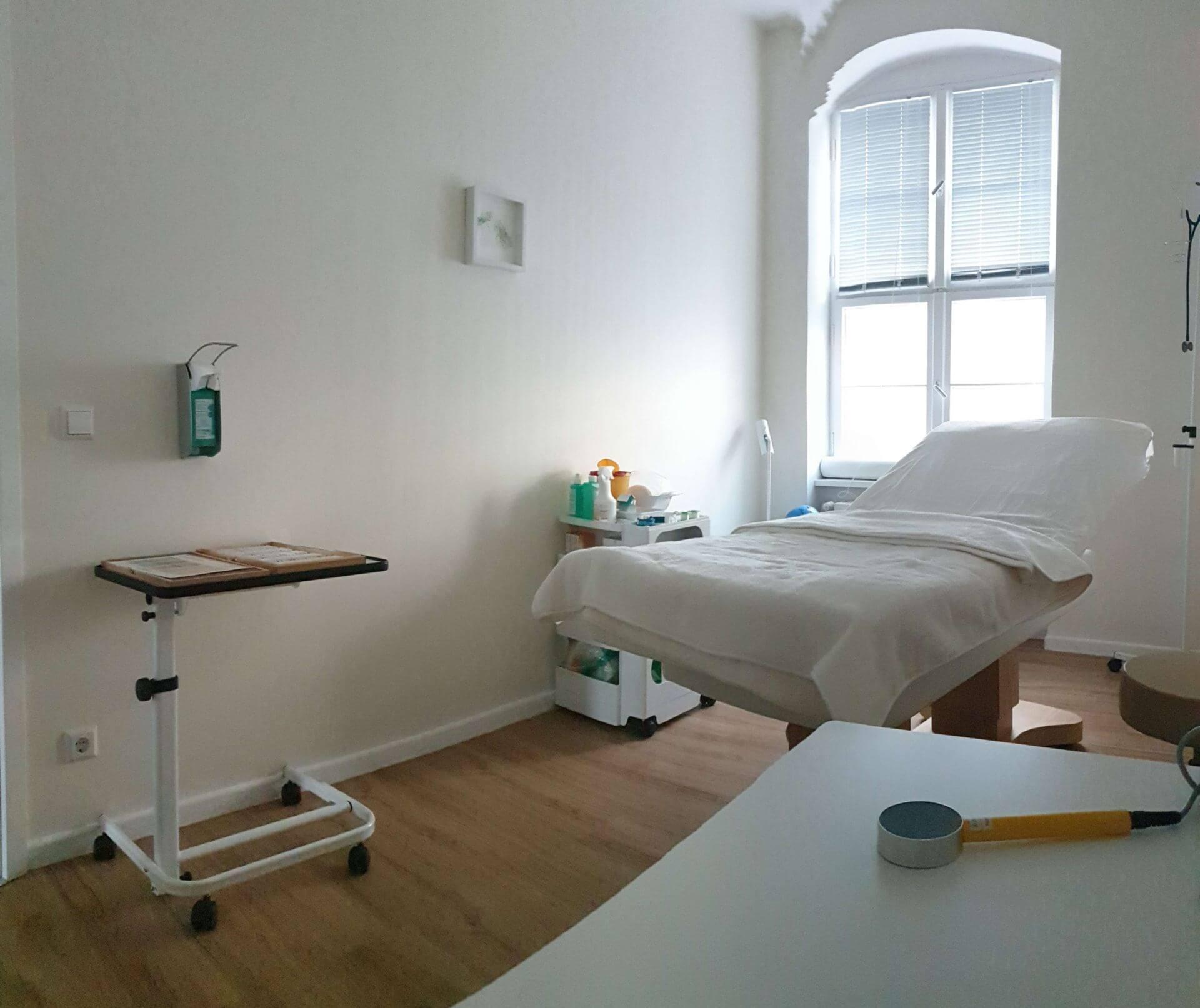 Behandlung Rückenschmerzen in Potsdam / Wannsee / Zehlendorf mit der Dorn-Breuss-Methode