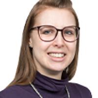 Dr.  Yvonne  Stolze